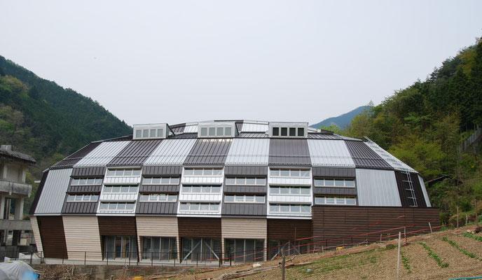 小菅村村民体育館