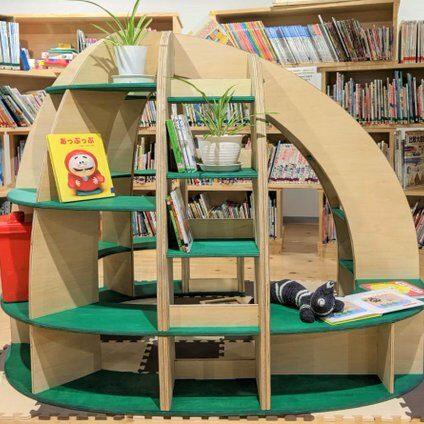 小菅図書館 ドーム型本棚